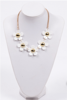 Daisy PIneapple Tart Necklace 2