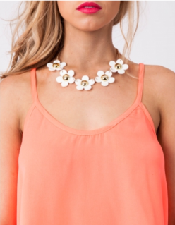 Daisy Pineapple Tart Necklace
