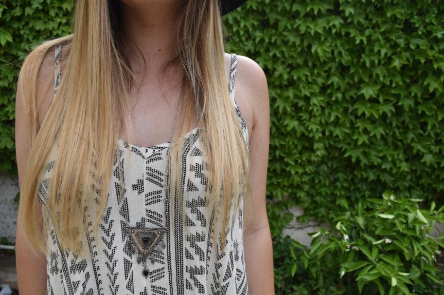 necklacedetail.JPG