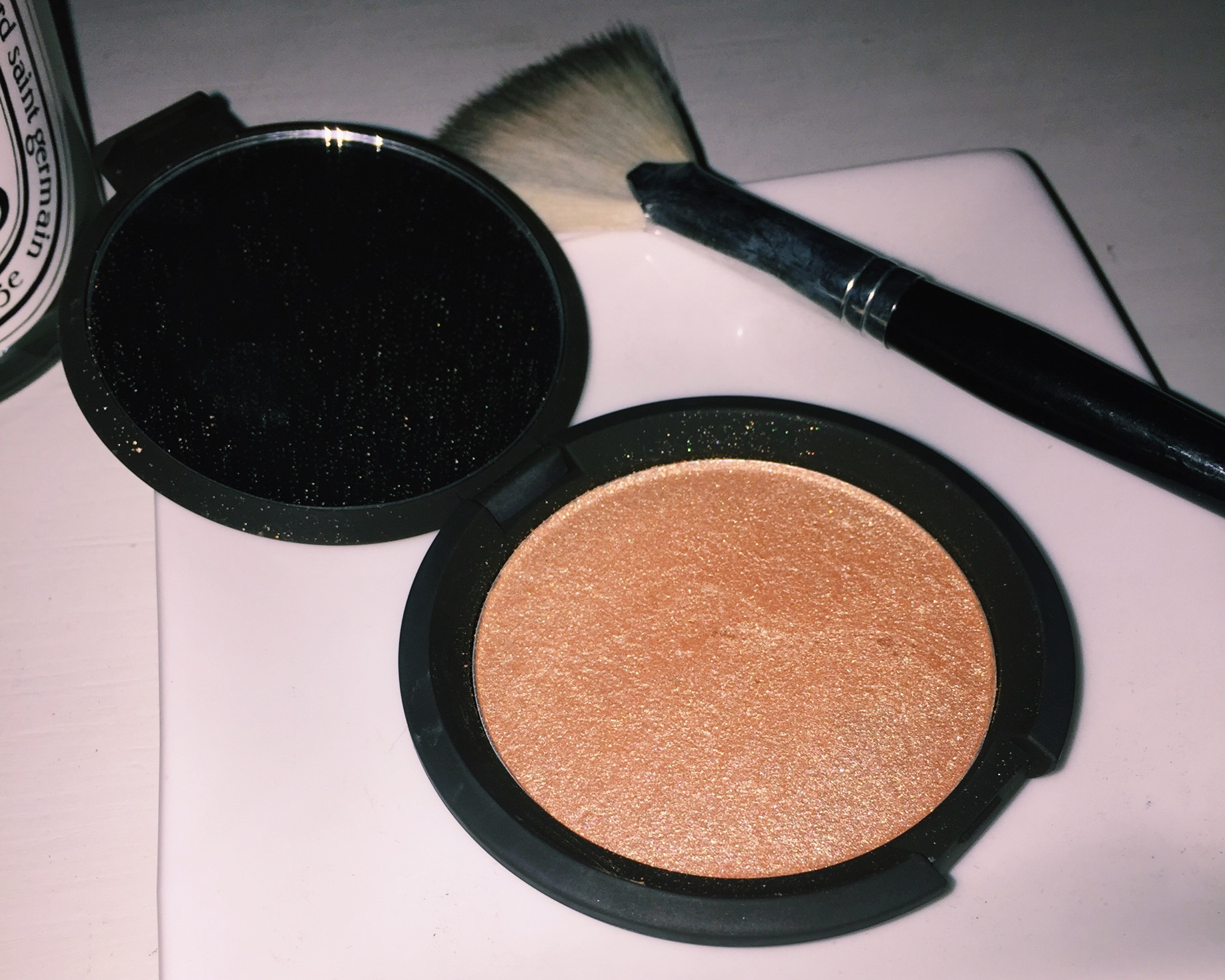Becca & Jaclyn Hill Champagne Pop Highlighter!